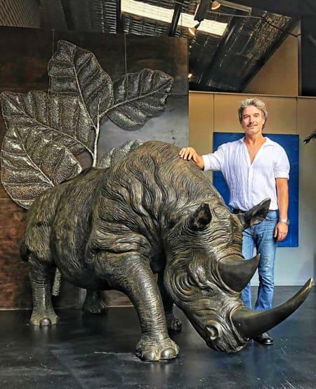 Rhino-a-la-charge-Bronze