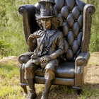 Sculptura-Mad-Hatter-bronze-sculpture