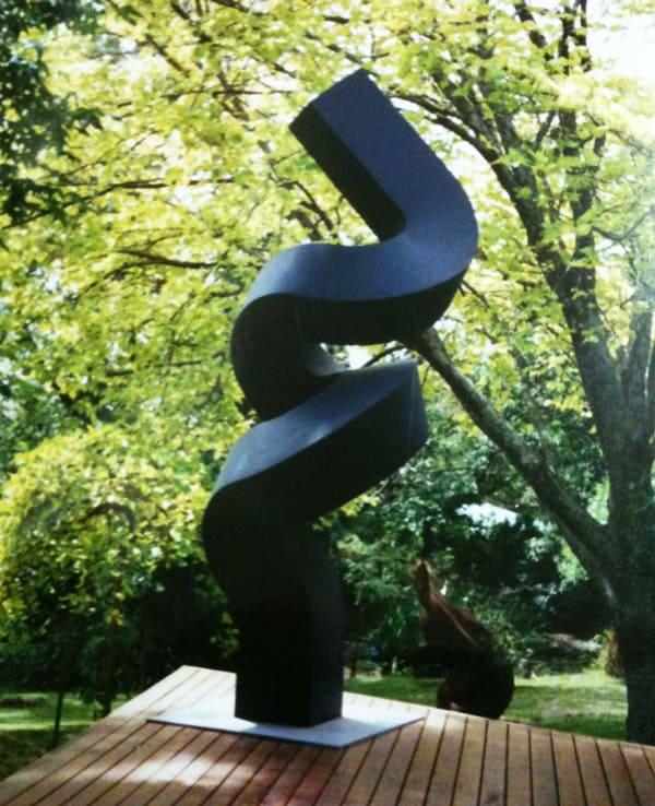 Sculptura - UP - Clement Meadmore